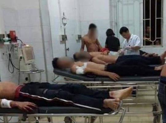 2 nhóm trai làng hỗn chiến khi đi tán gái, 6 người nhập viện - 1