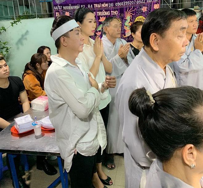 """Long Nhật đeo tang trắng, lo hậu sự cho """"người tình tri kỷ"""" Vương Bảo Tuấn - 1"""