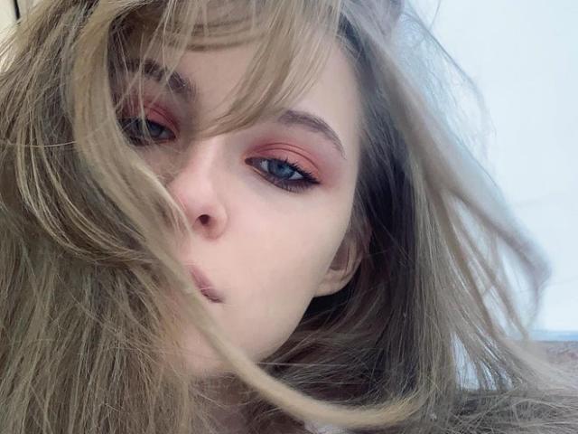 """Ngắm nhan sắc của hot girl Nga được mệnh danh """"công chúa lạnh lùng"""""""