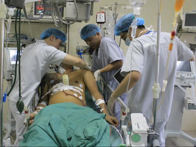 Nghẹt thở cứu sống nam thanh niên vỡ tim, thoát chết trong gang tấc