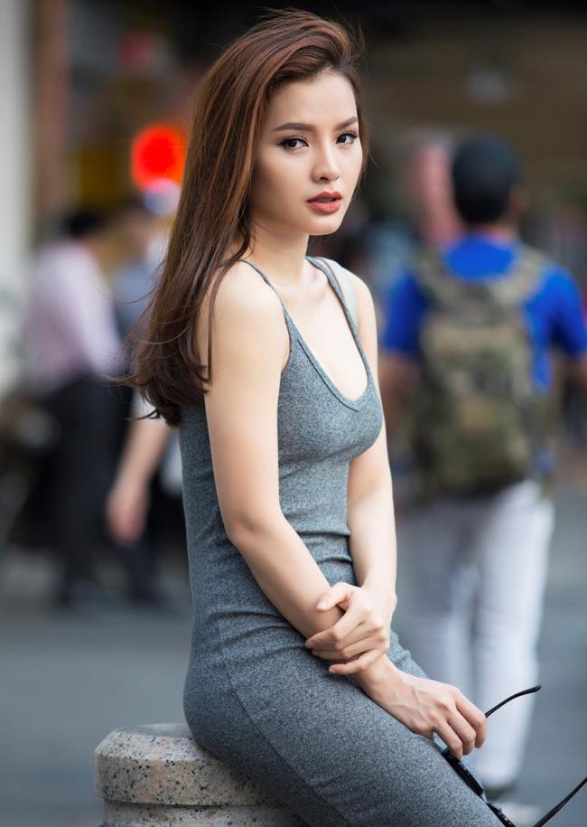 Dù là diễn viên tay ngang, song cô cho biết, bản thân được mời đóng nhiều phim truyền hình, cát - xê cao.