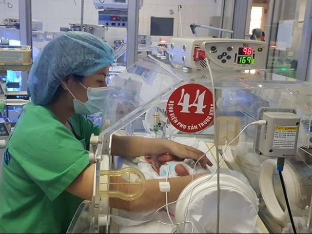 Nóng 24h qua: Thông tin mới về sức khỏe bé trai vừa chào đời từ người mẹ ung thư giai đoạn cuối