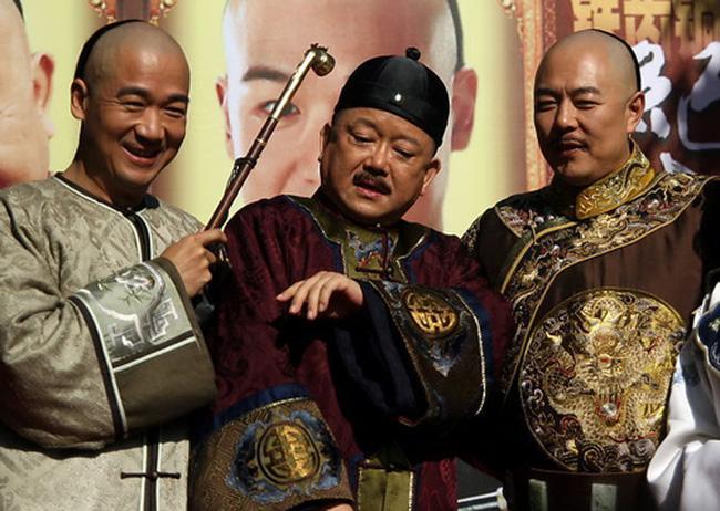 Câu trả lời ngắn gọn của Kỷ Hiểu Lam khiến Hòa Thân bẽ mặt trước vua Càn Long - 1