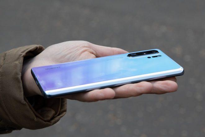 Những thông tin mới nhất mà người dùng smartphone Huawei phải biết - 1