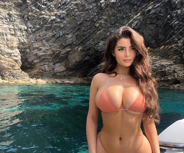 """""""Nấm lùn xinh nhất nước Anh"""" mặc mốt áo tắm hot hè này: Bikini buộc dây siêu nhỏ - 1"""