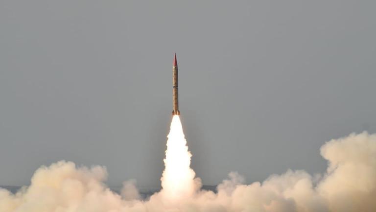 Ấn Độ thả bom nặng nửa tấn biết tự lái giữa căng thẳng với Pakistan - 1