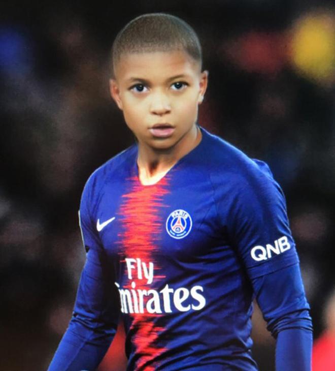 """Lộ diện hình ảnh """"trẻ trâu"""" của các ngôi sao bóng đá thế giới - 1"""