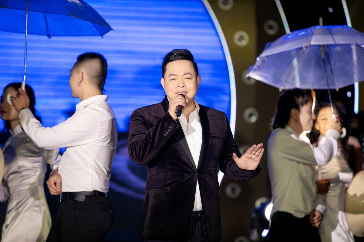 """Quang Lê """"dằn mặt"""" ca sĩ mắc bệnh ngôi sao trên sân khấu - 1"""