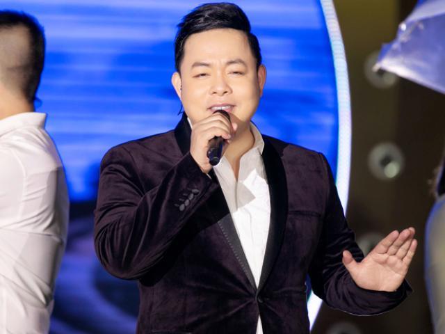 """Quang Lê """"dằn mặt"""" ca sĩ mắc bệnh ngôi sao trên sân khấu"""