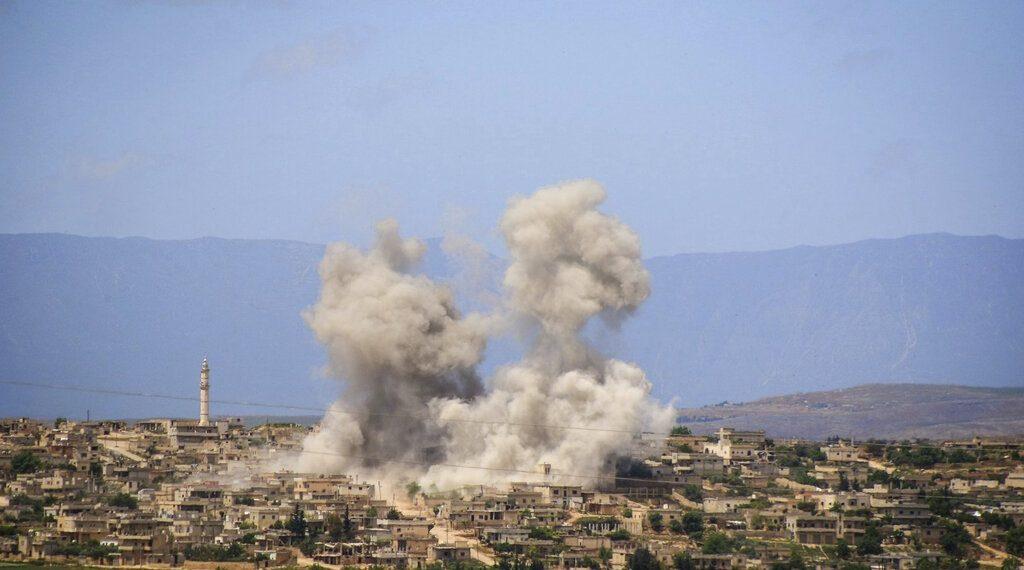 Tung đòn không kích ở Syria, Nga hỏi Thổ Nhĩ Kỳ: Chọn S-400 hay mất Idlib? - 1