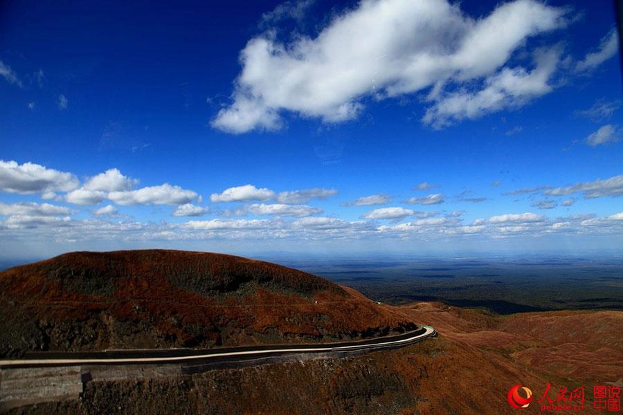 Không chỉ Trương Gia Giới, Cửu Trại Câu, Trung Quốc còn có dãy núi đẹp tuyệt vời này - 1