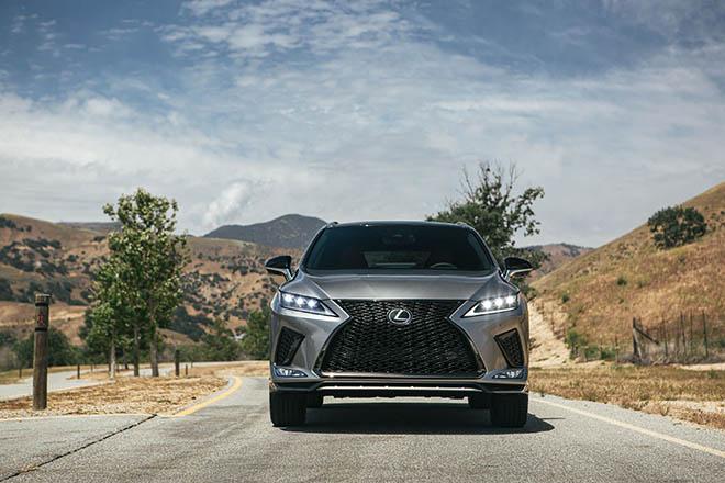 Lexus RX 2020 với những thay đổi này liệu có khiến các đối thủ cùng phân khúc phải dè chừng? - 1