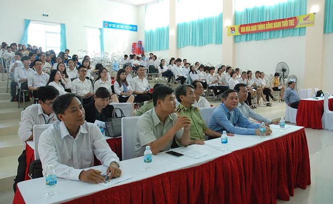 Diageo Việt Nam tập huấn nâng cao nghiệp vụ nhà hàng khách sạn cho sinh viên - 1