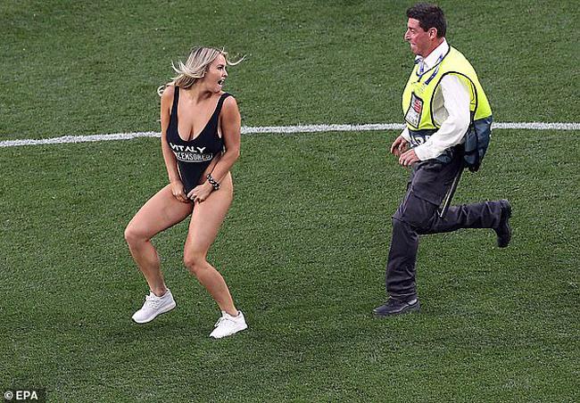 Sau trận chung kết Cúp C1 giúpLiverpool lên ngôi vô địch, người ta còn bàn tán nhiều về một cổ động viên nữ quá khích.