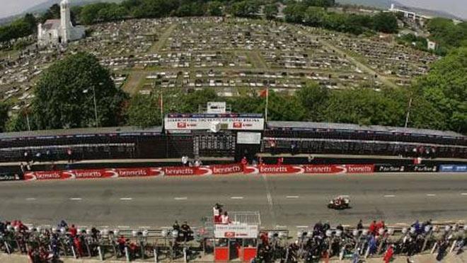 """Giải đua """"ký tên vào án tử"""" 258 VĐV bỏ mạng: Tai nạn thảm khốc 209km/h - 1"""