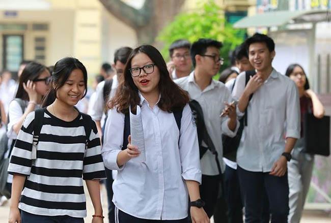 Thi vào lớp 10 ở Hà Nội: Liệu có 'cơn mưa' điểm 10? - 1