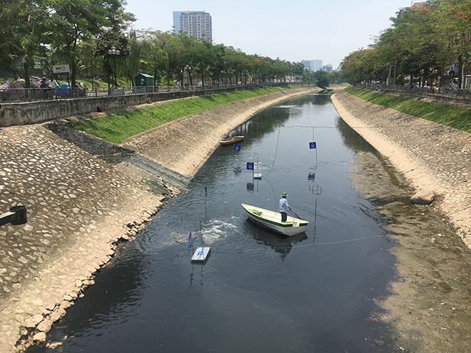 """Nóng 24h qua: Sông Tô Lịch có chuyển biến mới sau 3 tuần đặt """"bảo bối"""" của Nhật Bản - 1"""