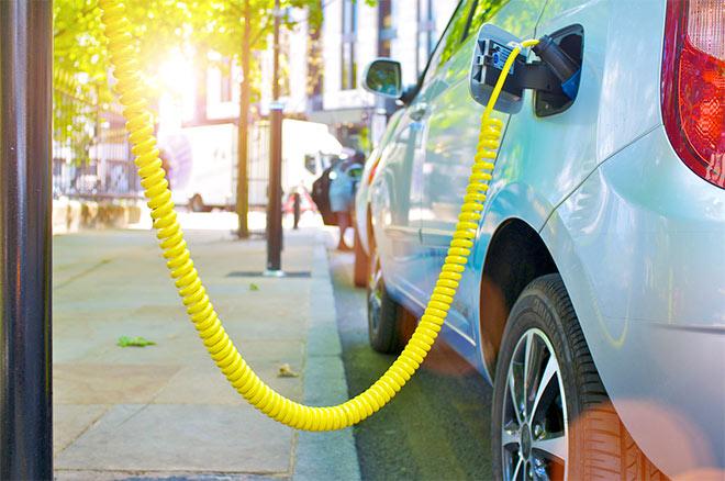 Giảm thiểu khí thải CO2 của xe hơi với bộ chuyển mạch hạ áp của Infineon - 1