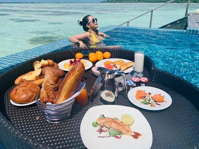 Ốc Thanh Vân mặc bikini tạo dáng yoga gây 'sốt' - 1