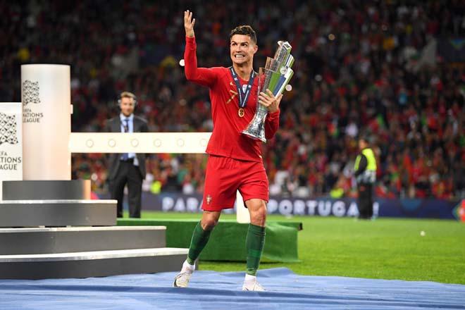 Bồ Đào Nha vô địch Nations League: Ronaldo gây áp lực Messi, sáng cửa Bóng vàng - 1