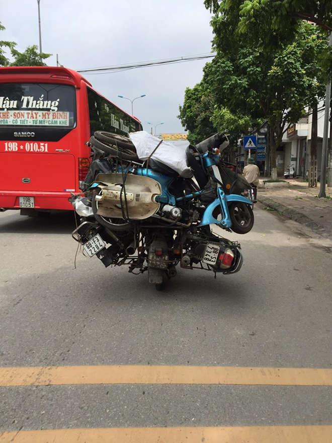 """Cận cảnh """"người vận chuyển xe máy"""" phiên bản Việt - 1"""