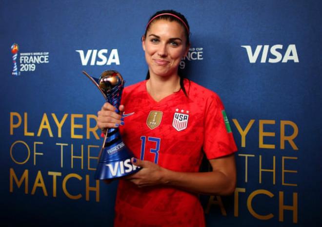 """""""Ronaldo nữ"""" đẹp tuyệt trần xé lưới Thái Lan 5 bàn ở World Cup - 1"""