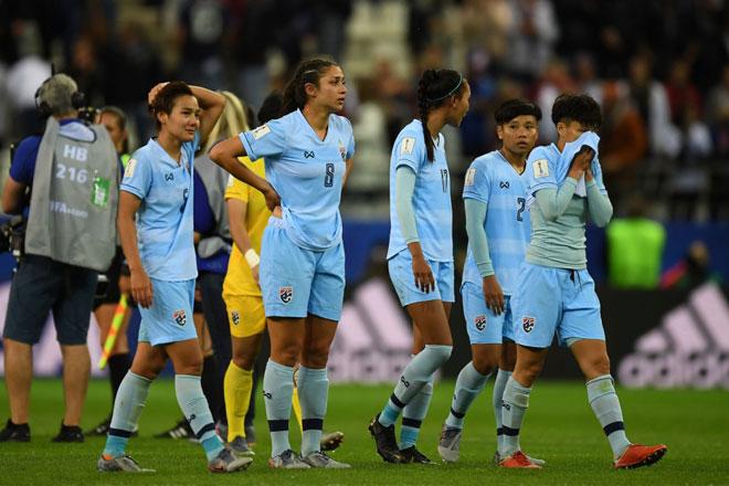 Thảm họa bóng đá Thái Lan: 5 trận thủng lưới 25 bàn, có xứng dự World Cup? - 1