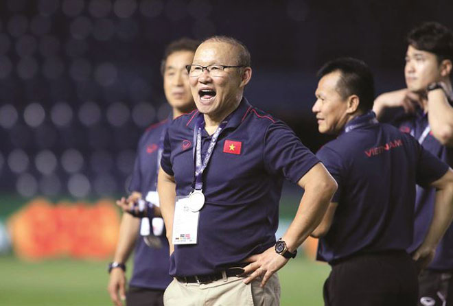 """Đàm phán hợp đồng với HLV Park Hang Seo: """"Trận đánh"""" lớn của VFF - 1"""