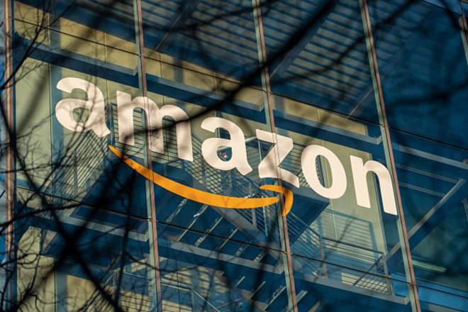 """Amazon """"đá bay"""" Apple, trở thành thương hiệu có giá trị nhất thế giới - 1"""