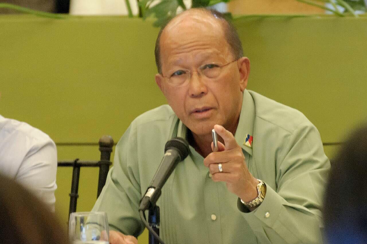 Manila giận dữ lên án tàu cá TQ đâm chìm tàu Philippines, cảm ơn VN cứu ngư dân - 1