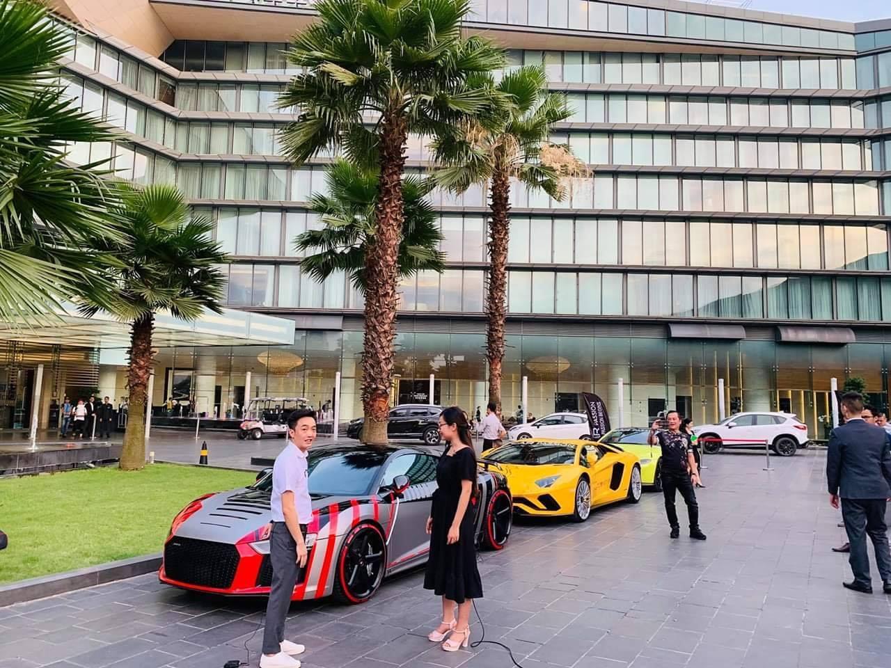 Cường Đô la chở vợ trên siêu xe 14 tỷ phượt cùng 'hội mê tốc độ 330 tỷ' tại Hà Nội - 1