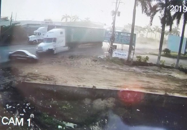 Tai nạn thảm khốc ở Tây Ninh: Tài xế xe ô tô tránh không kịp - 1