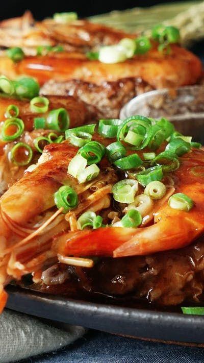 VIDEO: Đưa cơm không tưởng với món tôm bọc thịt sốt mặn ngọt cực ngon - 1