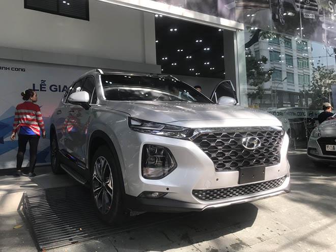 Bảng giá xe Hyundai SantaFe 2019 lăn bánh mới nhất - Cơ hội sở hữu xe ô tô giá tốt nhất trong năm - 1