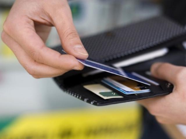 Mất tiền vì để lộ thông tin thẻ tín dụng: Lỗi thuộc về ai?