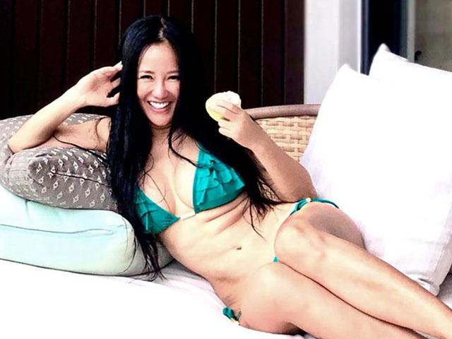 Ca nhạc - MTV - Ca sĩ Hồng Nhung khoe thân hình nóng bỏng ở tuổi U50 khiến ai cũng ngỡ ngàng