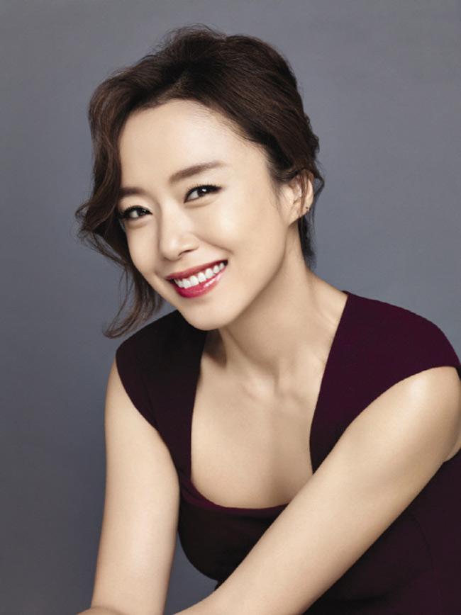 Dù đã có chồng, Jeon Do Yeon vẫn giữ vững ngôi nữ hoàng cảnh nóng.