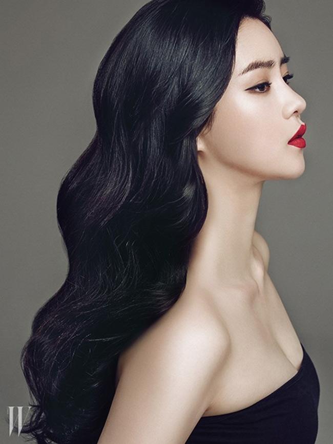 Sự nghiệp phát triển nhưng đường tình duyên của Lim Ji Yeon không trọn vẹn. Tháng 7 năm ngoái, cô chia tay bạn trai Lee Wook sau 6 thánghẹn hò.
