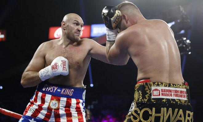 """Đại chiến boxing 217kg: Cú đấm """"cuồng nộ"""", vỡ mũi đối thủ - 1"""