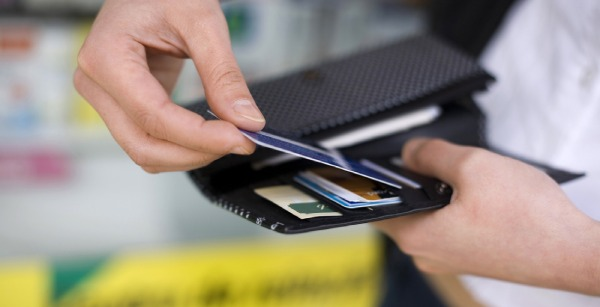 Mất tiền vì để lộ thông tin thẻ tín dụng: Lỗi thuộc về ai? - 1