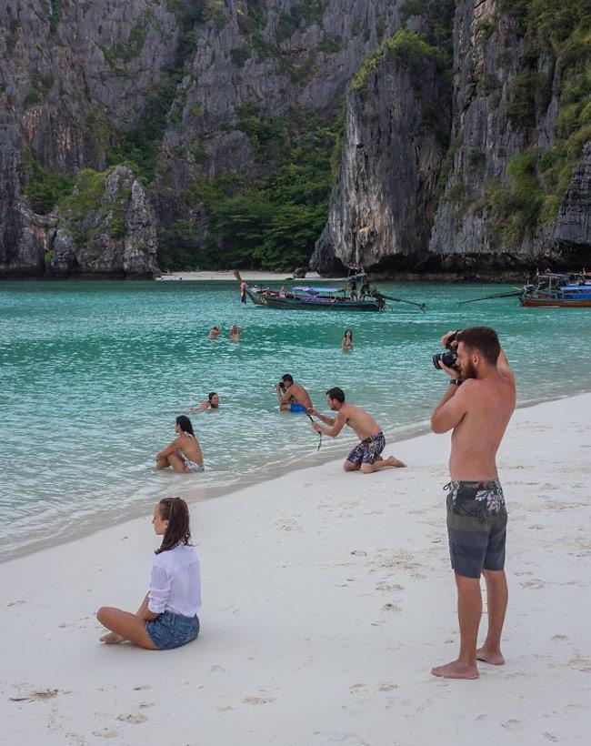 Muốn biết chồng chiều bạn như thế nào, hãy cùng rủ anh ấy đi biển