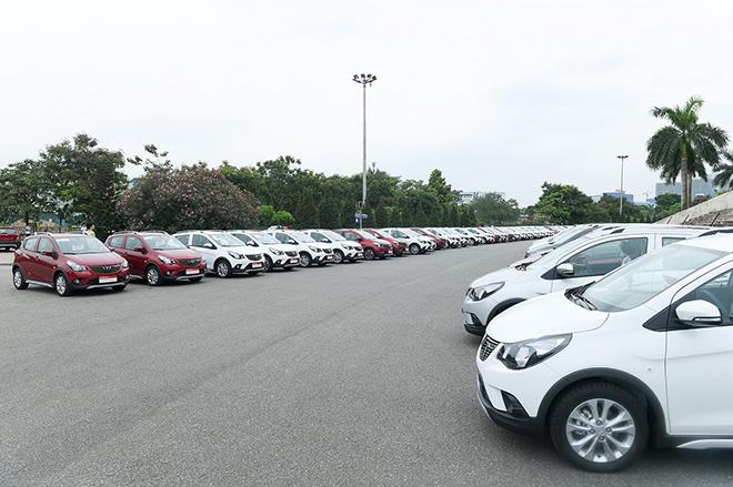 VinFast giao 650 xe Fadil tới khách hàng trong 1 ngày - 1