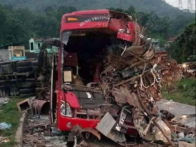 """""""Lý lịch"""" lạ của chiếc xe tải gây tai nạn làm 40 người thương vong"""