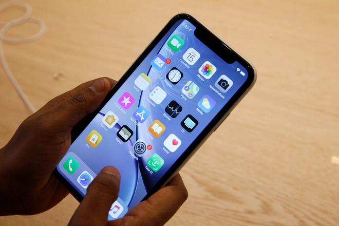 iPhone XR 2020 sẽ có màn hình OLED, iFan mở cờ trong bụng - 1