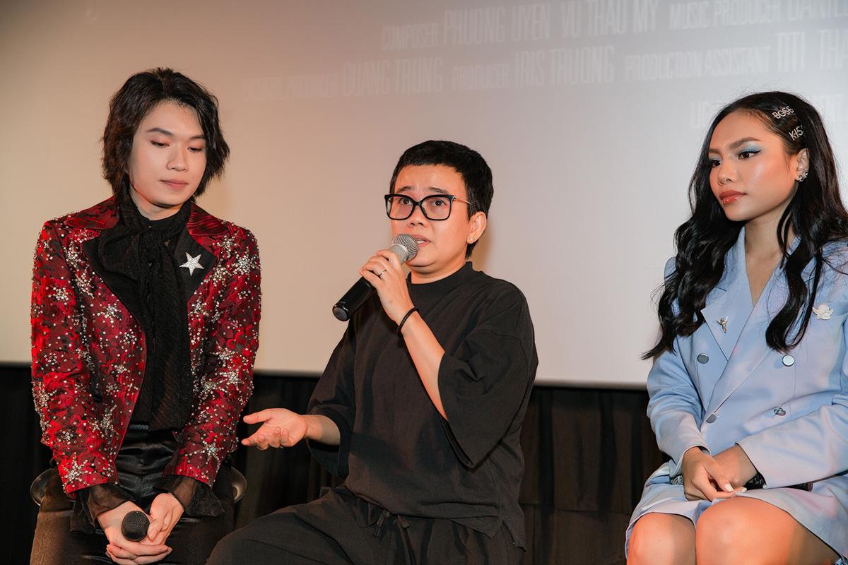 Phương Uyên khóc nức nở khi diễn viên hài Quang Trung lấn sân ca hát - 2