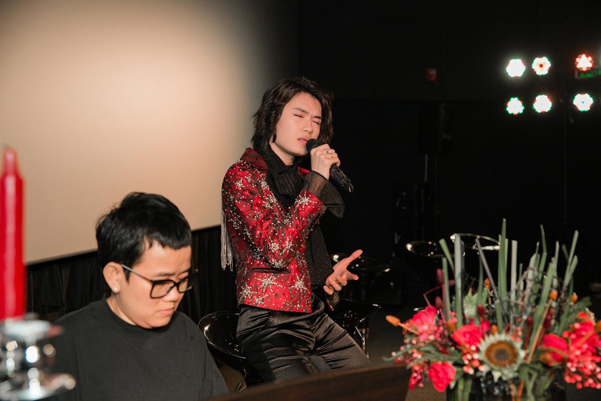 Phương Uyên khóc nức nở khi diễn viên hài Quang Trung lấn sân ca hát - 5