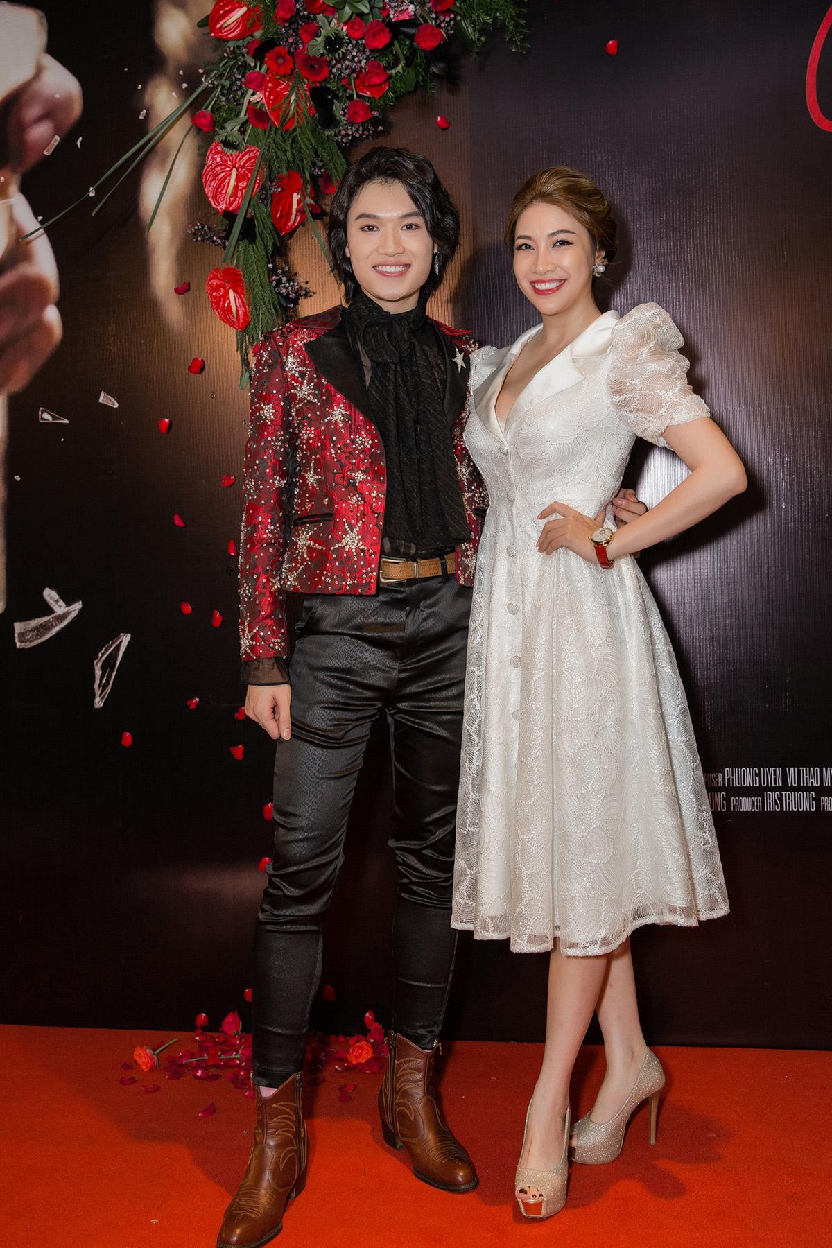 Phương Uyên khóc nức nở khi diễn viên hài Quang Trung lấn sân ca hát - 9