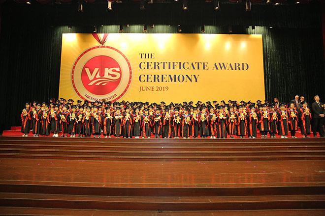 2.155 học viên VUS nhận chứng chỉ Anh ngữ quốc tế Cambridge - 1