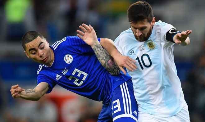 Messi cứu rỗi Argentina: Kẻ gánh vác cô đơn, lách cửa hẹp lần nữa? - 1