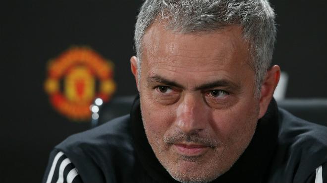 MU bế tắc chuyển nhượng cầu cứu Mourinho: Tiến cử 3 SAO Ngoại hạng Anh - 1